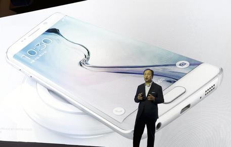 Samsung vende più smartphone di Apple