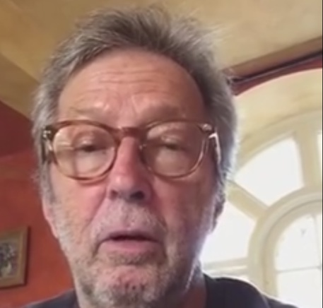 Un frame del video messaggio di Eric Clapton © Ansa