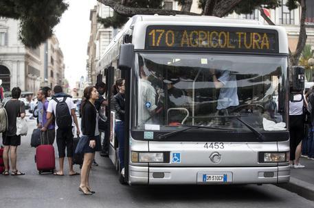 Trasporti locali: scioperi del 26 giugno rinviati per ordine del ministro Delrio