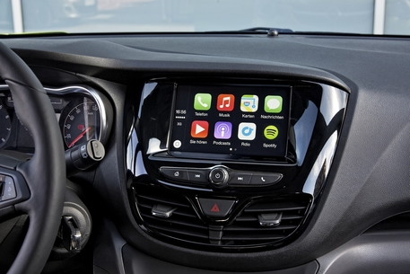 Android Auto e Apple Car Play pronti al debutto sulle Opel © ANSA