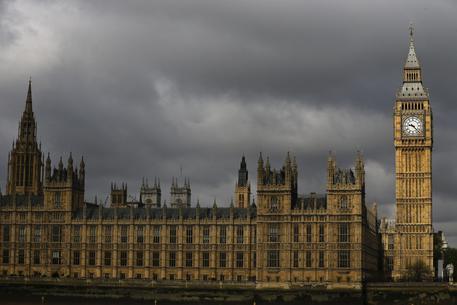 e0a35fa6b1 Elezioni in Gb, le borse. Europa e Londra brindano alla vittoria dei ...