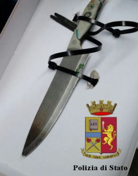 Uccise connazionale a Genova, evade