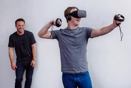 Mark Zuckerberg indossa Oculus Rift © ANSA