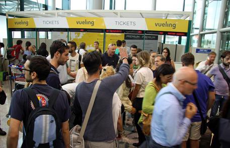 Catania, lascia il figlio minorenne in aeroporto: denunciato$