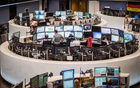e40c38d8dd Borsa: Effetto Draghi, le Borse festeggiano con le banche. Milano in ...