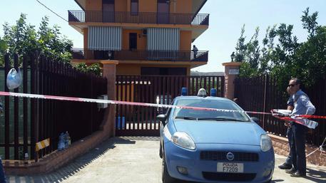 Orrore a Palagonia, uccisa coppia di coniugi: sospetti su un immigrato del Cara$