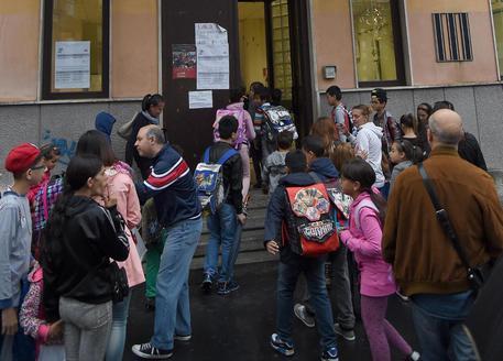 Palermo, rimprovera alunno che disturba in classe docente picchiato dai genitori