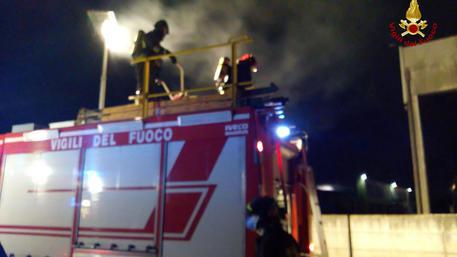 Napoli: bruciate 15 barche al circolo Italia di Santa Lucia