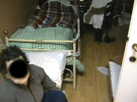 Botte e minacce in casa di cura: 18 indagati ad Acerno (Salerno)