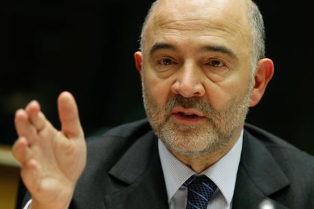 Ue, Moscovici: Renzi ambizioso, tensione deve calare
