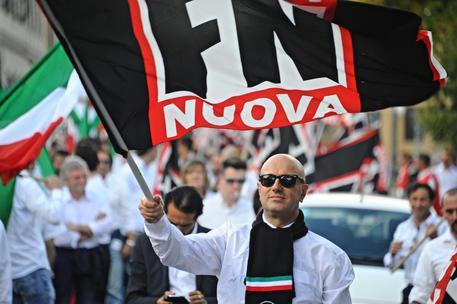 Ultradestra a Genova: partito corteo dietro striscione Anpi