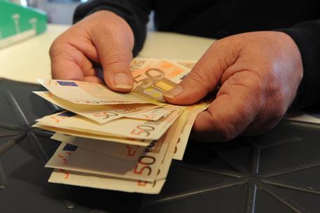Un impiegato di banca © ANSA