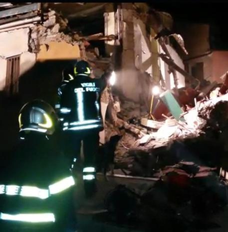 Catania, crolla palazzina in via Crispi: un morto e quattro feriti