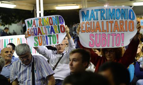 Unioni civili: Buemi, emendamento su utero in affitto provocazione