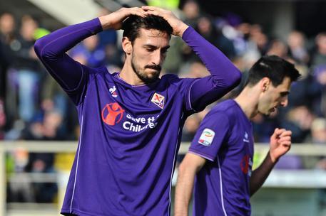 Davide Astori, il capitano della Fiorentina, morto in albergo a Udine. Rinviata la serie A. Stop anche in B, rinviate gare oggi e domani 27cb99fd784a12b0e8e40aaad7a49d1f