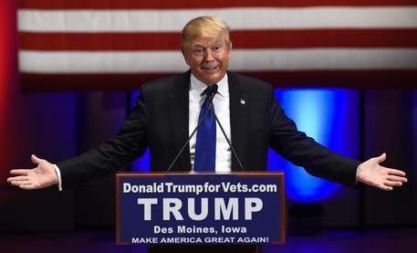 Iowa: sondaggi dicono Clinton e Trump