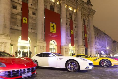 c91b5bd00e La Ferrari debutta in Borsa a 43 euro per azione - Lombardia - ANSA.it