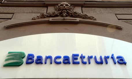 Banca Etruria: bomba artigianale davanti alla filiale di Perugia