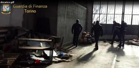 Rifiuti speciali e pericolosi, sequestrate 240 tonnellate © ANSA