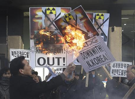 Proteste contro Pyongyang in Corea del Sud © AP