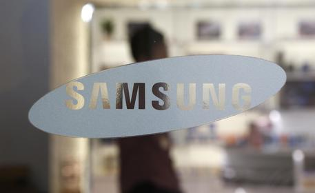 Samsung conti record +72% utili operativi trimestre