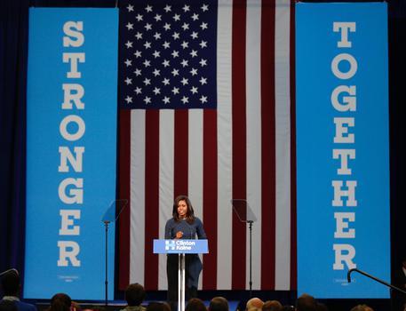 Usa 2016, riaperta indagine su Clinton. Trump: