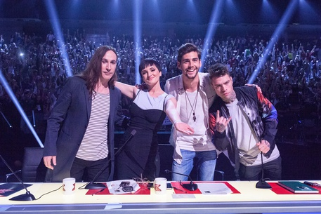 X Factor 10, Bootcamp conclusi: Agnelli commosso, Arisa contestata