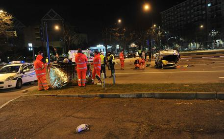Frontale tra auto: due morti vicino a Pavia
