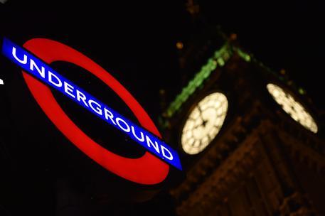 Gb, sventato attentato a Londra: in arresto un 19enne