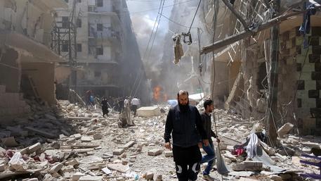 Siria: ribelli lanciano operazione per rompere assedio ad Aleppo