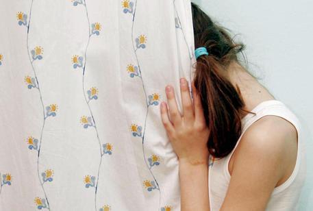 Valsabbia, molestie su alunna di 8 anni: resta in carcere il maestro
