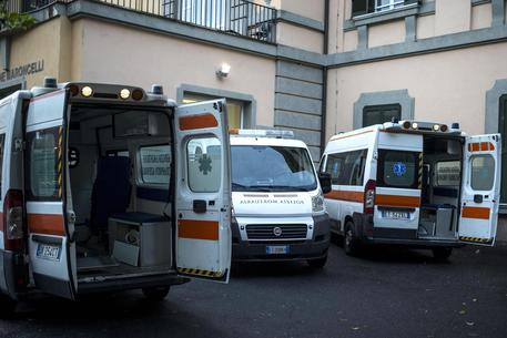 Ambulenze all'estero dell'ospedale San Camillo in una foto d'archivio © ANSA