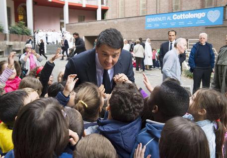 TORINO. Il Premier Renzi visita la scuola del Cottolengo