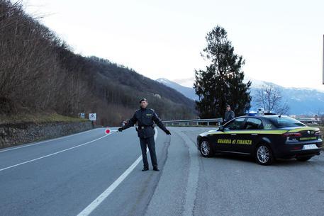 Varese: truffa e riciclaggio, 7 arresti