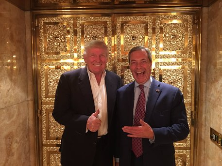 Farage batte Theresa May con Trump