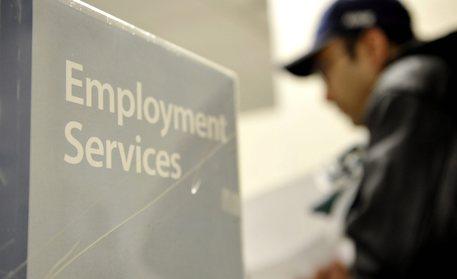 Lavoro: disoccupazione settembre a 11,7%,ma salgono occupati