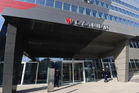 Lo Statuto del Milan acquistato a 93.750 dall'avvocato La Scala