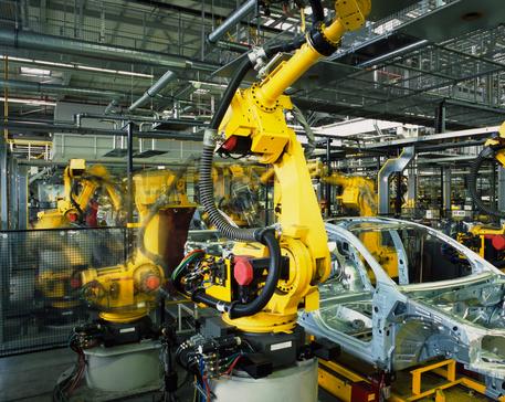 Calo produzione industriale: Istat, dati peggiori degli 5 anni