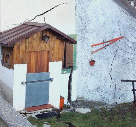 Maltempo Liguria, a Monesi di Mendatica una frana inghiotte le case