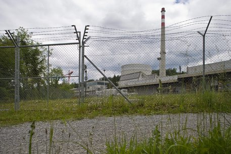 Svizzera, bocciato stop al nucleare