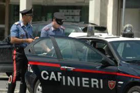 Uomo trovato morto in auto in campagne Biancavilla, indagini