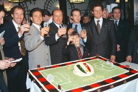 Pier Silvio Berlusconi congeda il Milan