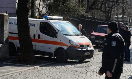 Disastro ferroviario in Bulgaria, treno merci deraglia e esplode. Morti