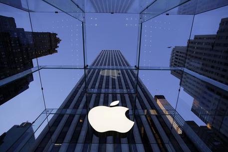 Apple in corsa verso la quotazione di 1 trilione di dollari