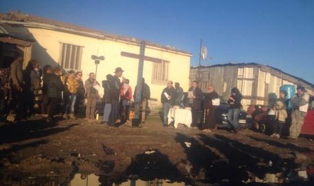 Migranti: brucia 'Gran Ghetto' nel Foggiano,distrutte 50 baracche