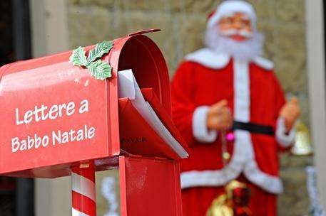 Regali Natale Internet.Natale 1 Italiano Su 2 Fa Regali Online Internet E Social
