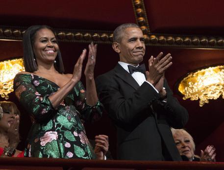 Michelle Obama, l'abito nasconde un messaggio segreto a Matteo Renzi