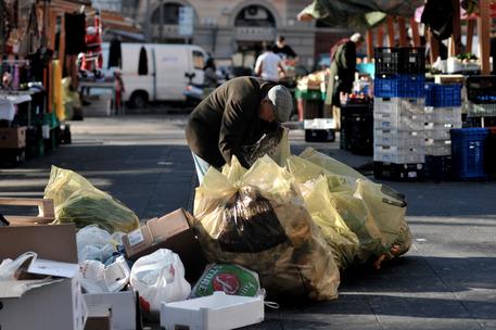 Istat: 28,7% della popolazione a rischio povertà