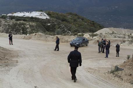 Gettata nella cava avvolta nel cellophane, identificata la vittima: è Gabriella Fabbiano