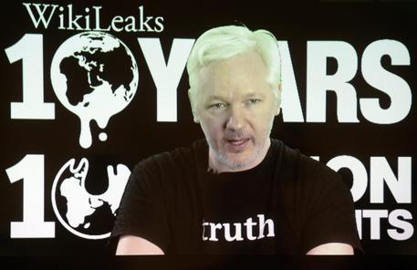 Usa, Trump cita Assange su ruolo Russia in attacchi hacker